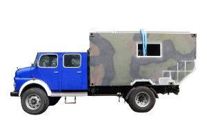 Fahrzeugbau / Wohnkabinen - Produkt: Dacherhöhung Bundeswehr-Shelter auf Basis: Mercedes Rundhauber