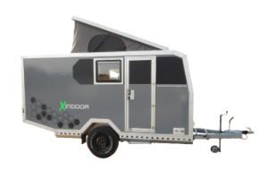 Offroad-Caravan X-Indoor / Produkt: Offroad-Wohnkabine auf Einachser-Fahrgestell / Schlafhubdach und Stehhöhe