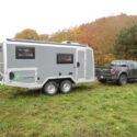 Offroad-Caravan X-Indoor / Produkt: Offroad-Wohnkabine auf Einachser-Fahrgestell / Modell Tandem